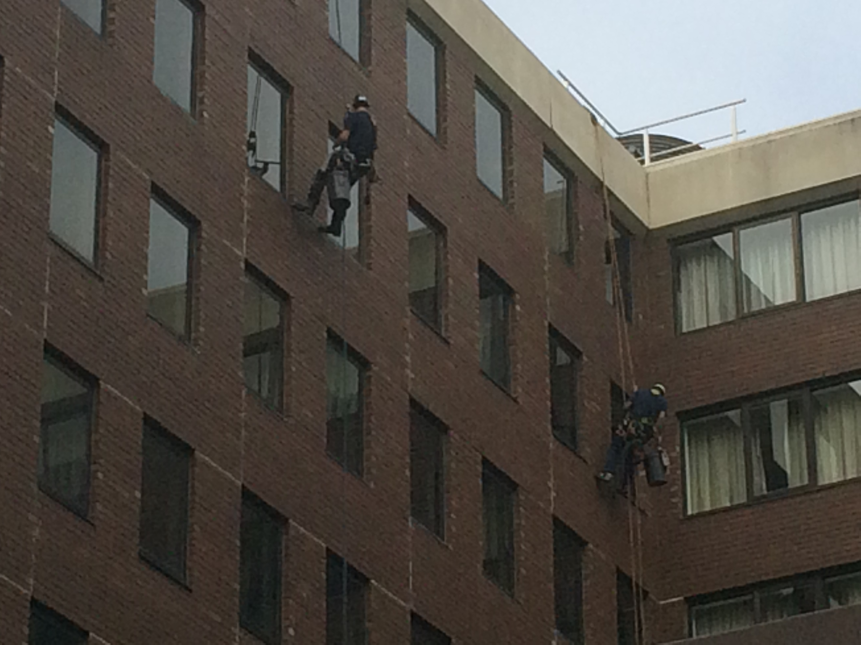 Highrise_window_cleaning